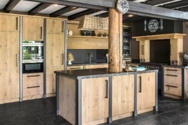 Keuken in woonboerderij